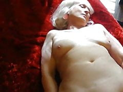 Hairy mature granny plays then fucks