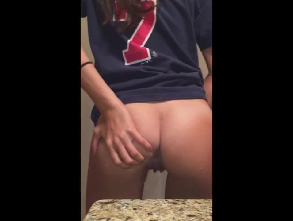 Blonde Teen Screaming Orgasm