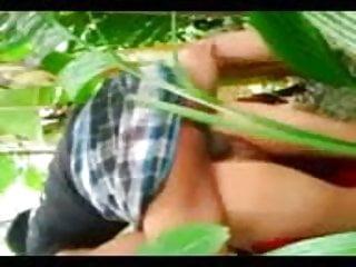 Download video bokep ABG PAKE SARUNG ENTOT DI KEBUN PISANG Mp4 terbaru
