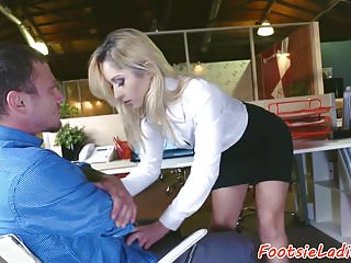 Preview 1 of Petite babe footworshiped and banged