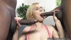 Clara, anal blonde
