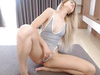 Blonde Orgasm Webcam