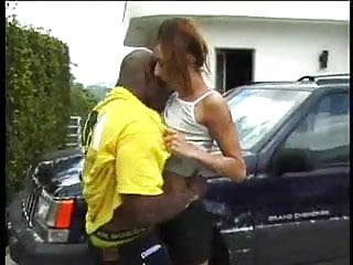 Car Wash turns into hot sex with bbc neigbour
