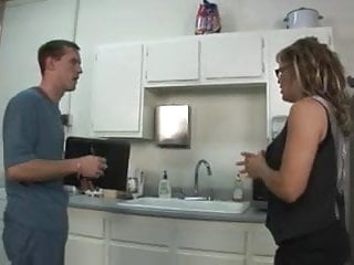 Leigh anal - True milf slut kelly leigh repays the plumber by squirting