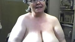 Big Granny on the Webcam R20