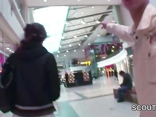 2 Boys seduce Strange Skinny Teen to Fuck Toilette in Mall