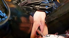Slave Slut-Orgasma Celeste fucking a Latex Toilet Brush