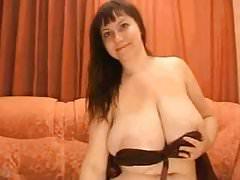Leo Saggy Tits WebCam