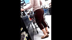 pawg milf bubble in brown lace pants