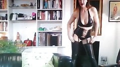 LOVLY MILF SHOW LATEX