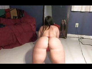 PAWG SHAKING ASS SHOWING PUSSY VERY SEDUCTIVE