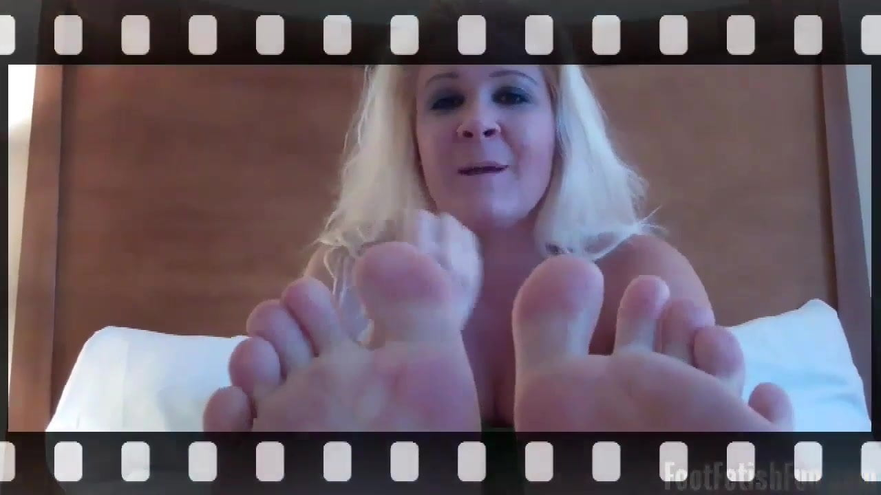 I know you love my sexy little feet