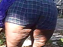 Ghetto auntie jiggle booty and thighs Thumbnail
