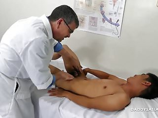 Preview 2 of Dr Daddy Bareback Fucks Asian Boy Robin
