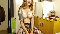 mature tattoed shemale masturbating