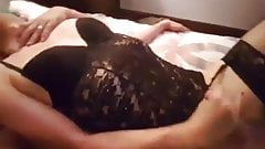SIssyfaggot cums all over herself while getting fucked