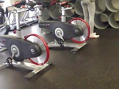 ass hunting at the gym 2