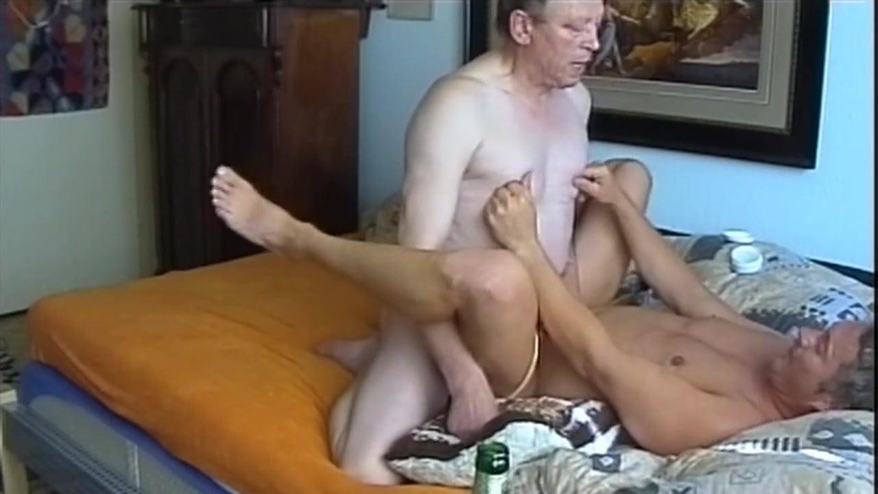 Gädliche SchwulenpornosAmatur Teenie-Pussy