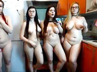HOT CURVY NAKED GIRLS
