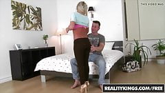 RealityKings - Mikes Apartment - Afrodity Choky Ice - Hard B