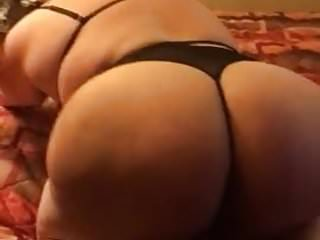 SUPER THICK ASS SHAKING AND GETTING SPANKED
