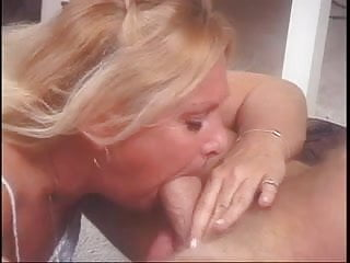 Nasty GRANNY Samantha is extremely horny!