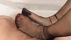 The nylon feet Lady of my dreams