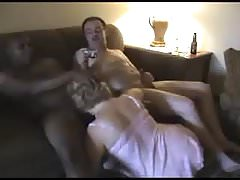 Homemade  cuckold hubby watchhing  wife  suckiing  black dic Thumbnail