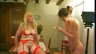 lesbian milf and youg fisting games