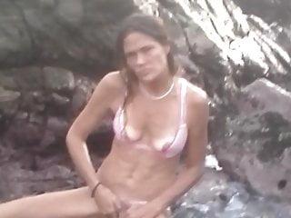 Download video bokep Masturbation Public Beach Traveling Hippie MILF Sarita MX Mp4 terbaru