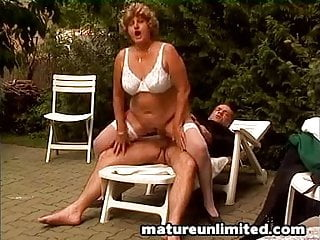 Mom gets fuck - Outdoor mom gets fuck