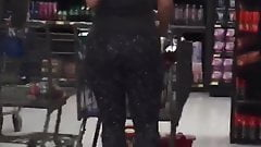 Pawg in leggings at Walmart