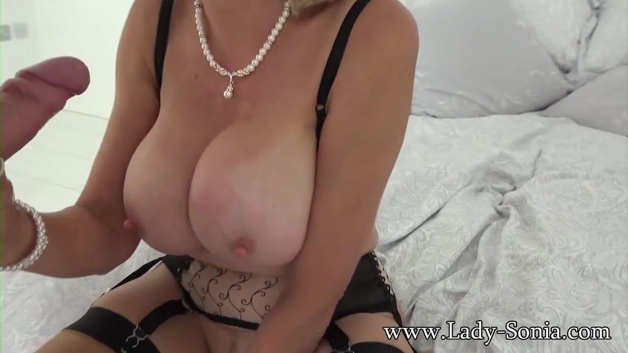 Amy reid big tits round asses