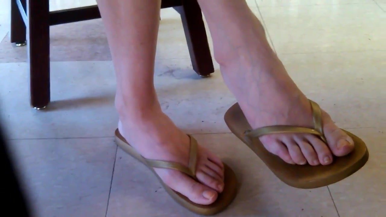 Asian Worship Mature Feet