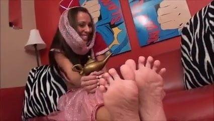 Milf Nikki Foot Tease