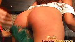 Smoking hot Cat Cleavage enjoys pleasuring her foxy