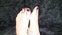 Nylon bondage feet and toes
