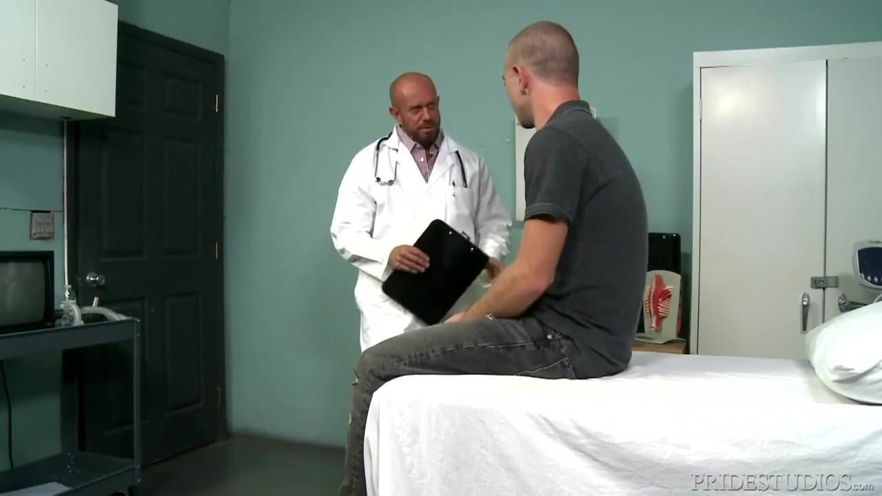 Muscle doctor gives this twink a checkup