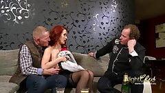 julia pink nackt küssen ficken