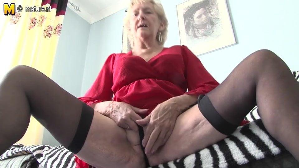 Wife suction dildo