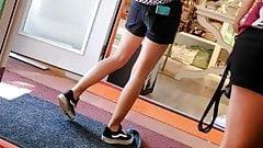Candid Voyeur cute brunette teen with nice legs