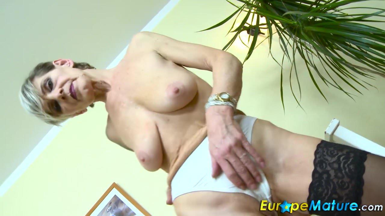 europemature-slim-granny-ivana-solo-fingering-videos-of-how-to-suck