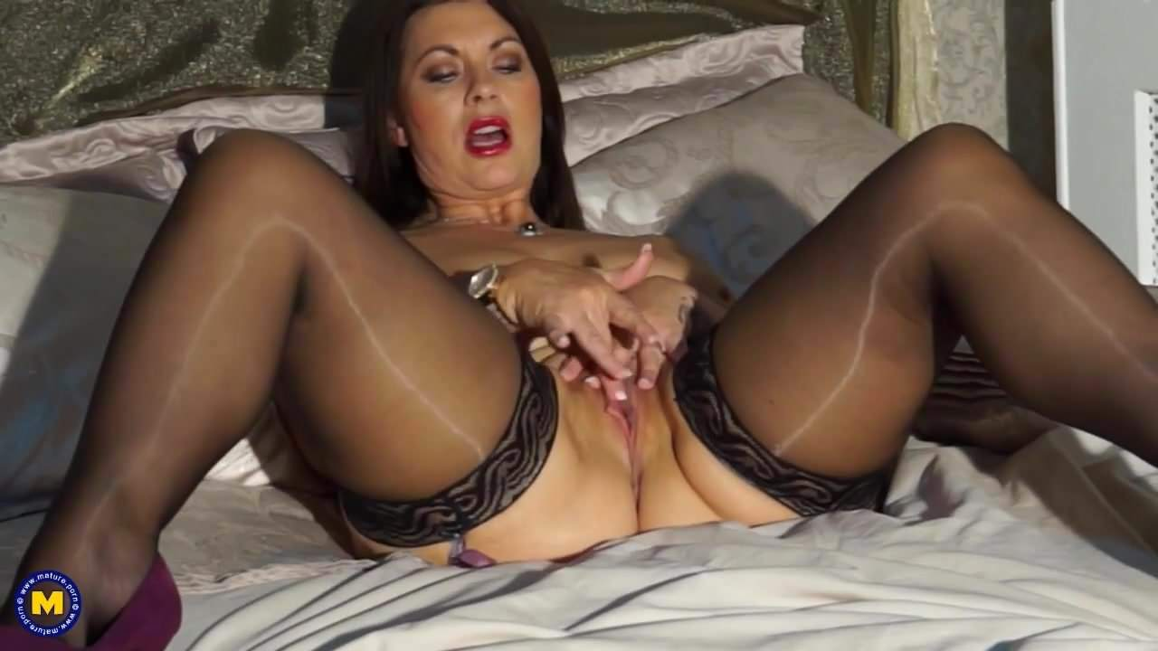 Sexy British Mom Christine With Big Natural Tits Porn 90-7944