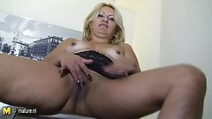 Blonde mother-next-door playing with herself