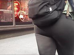 Booty Cumming Thru