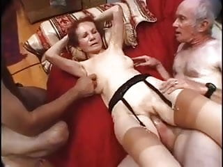 Download video bokep Ancient Gigi Enjoys Two Cocks Mp4 terbaru