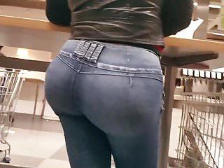 Bubble Butt Latina Milf Pt 1.
