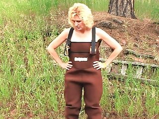 She gets a Facial while in her brown overalls
