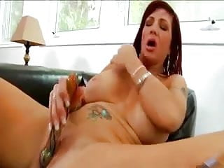 Sexxxy Milf Uses Her Toy