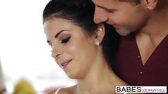 Babes - The Black Swan  starring  Totti and Jessica Swan cli